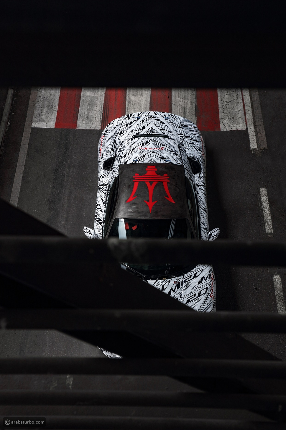 مازيراتي MC20: نموذج خاص لإحياء ذكرى السائق ستيرلينج موس
