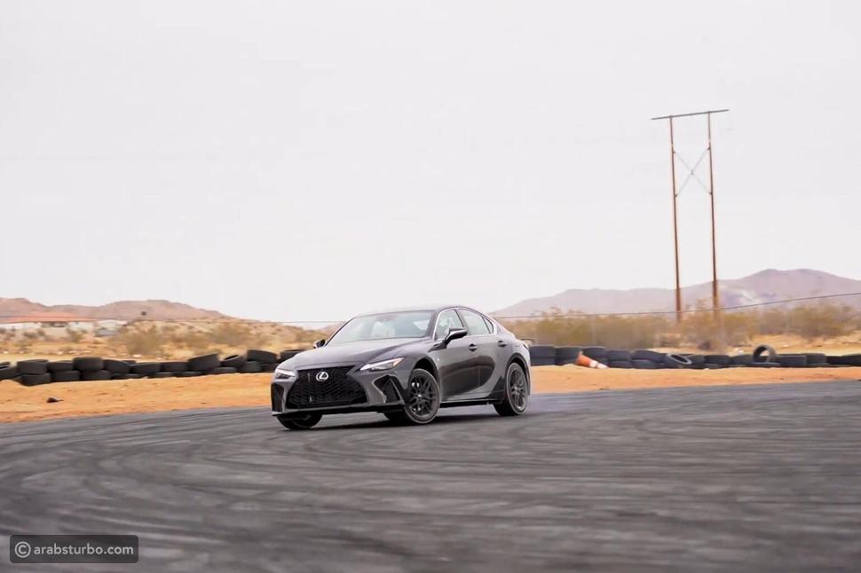 سائق فورمولا يكشفت تجربته مع لكزس IS F سبورت