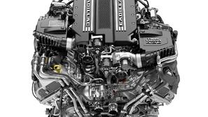 كاديلاك تطرح أول محرك V8 مزدوج التيربو على الإطلاق