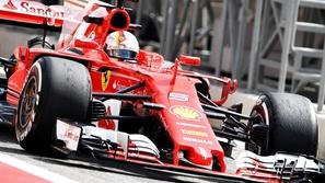 جائزة البحرين الكبرى: لوكلير يحقق المفاجأة وينطلق أولاً