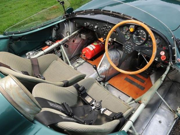 هذه السيارة الكلاسيكية الشهيرة