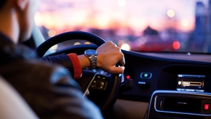 في المملكة.. تعرف على فئات وأنواع رخص القيادة