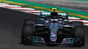 فورمولا 1: بوتاس ينطلق أمام بطل العالم هاميلتون