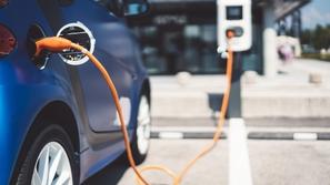 حقائق وهمية عن عالم السيارات الكهربائية