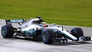 فورمولا 1.. معاناة ميرسيدس في تجارب سباق الجائزة الكبرى