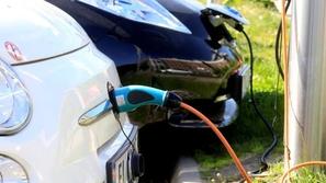 اليابان على الأبواب: نتابع صناعة السيارات الكهربائية في مصر
