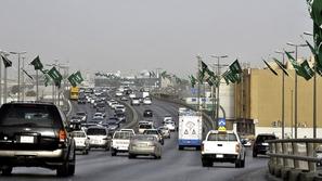 وكالات السيارات السعودية تعلن عن موعد فتح أبوابها