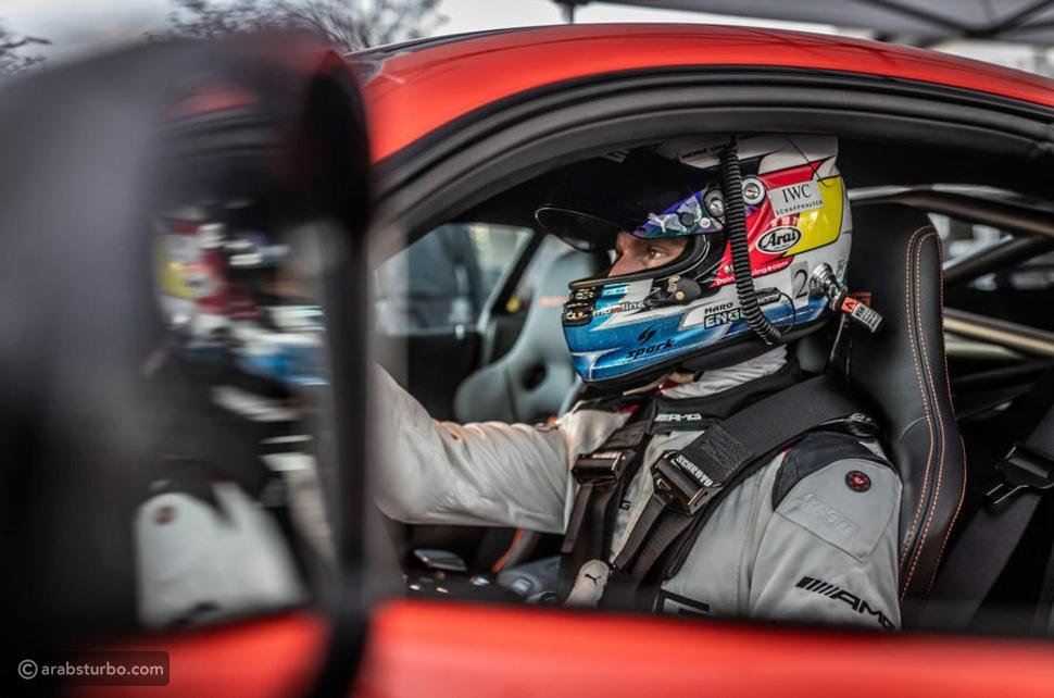 AMG GT بلاك سيريز تكسر الرقم القياسي لطراز لمبرجيني افينتادور