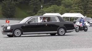 إطلالة خاصة لتويوتا سنشري في مراسم تنصيب إمبراطور اليابان