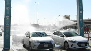 السعودية تدشن أول وحدة تعقيم ذاتية للسيارات