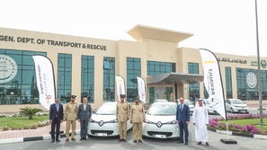 شرطة دبي تتبنى رؤية خضراءبإضافة 13 سيارة رينو زوي