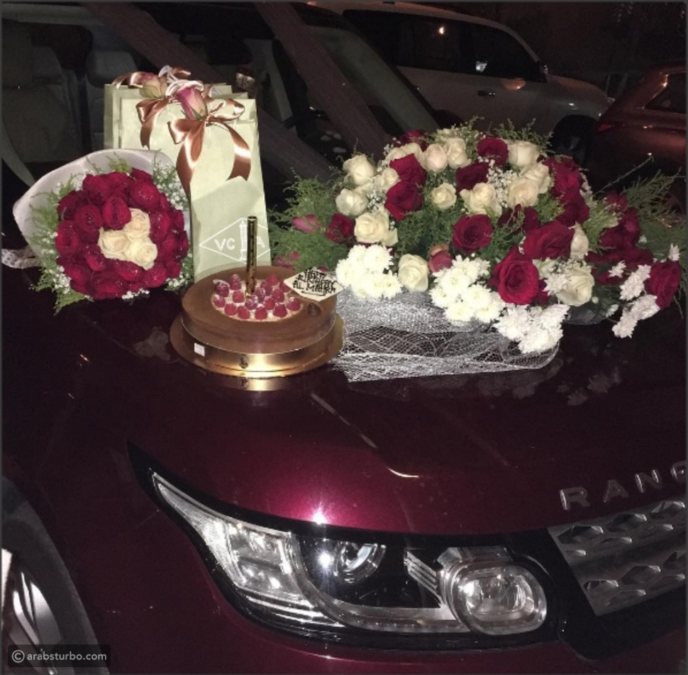 بعد الطائرة الخاصة .. المهرة البحرينية تحصل على سيارة فارهة هدية من زوجها!
