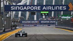 فورمولا 1: لوكلير يتعثر في تجارب سنغافورة