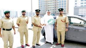 شرطة دبي تكافئ مُقيمًا بسيارة جديدة لهذا السبب