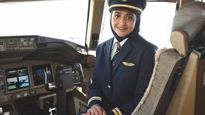 تعرف على سر نجاح أميرة دبي كابتن ملازم بجناح الجو