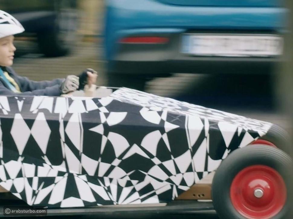 هيونداي تختبر نسخة مموهة من سيارة بتصميم غريب