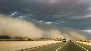 4 نصائح لسلامتك أثناء القيادة وسط العواصف