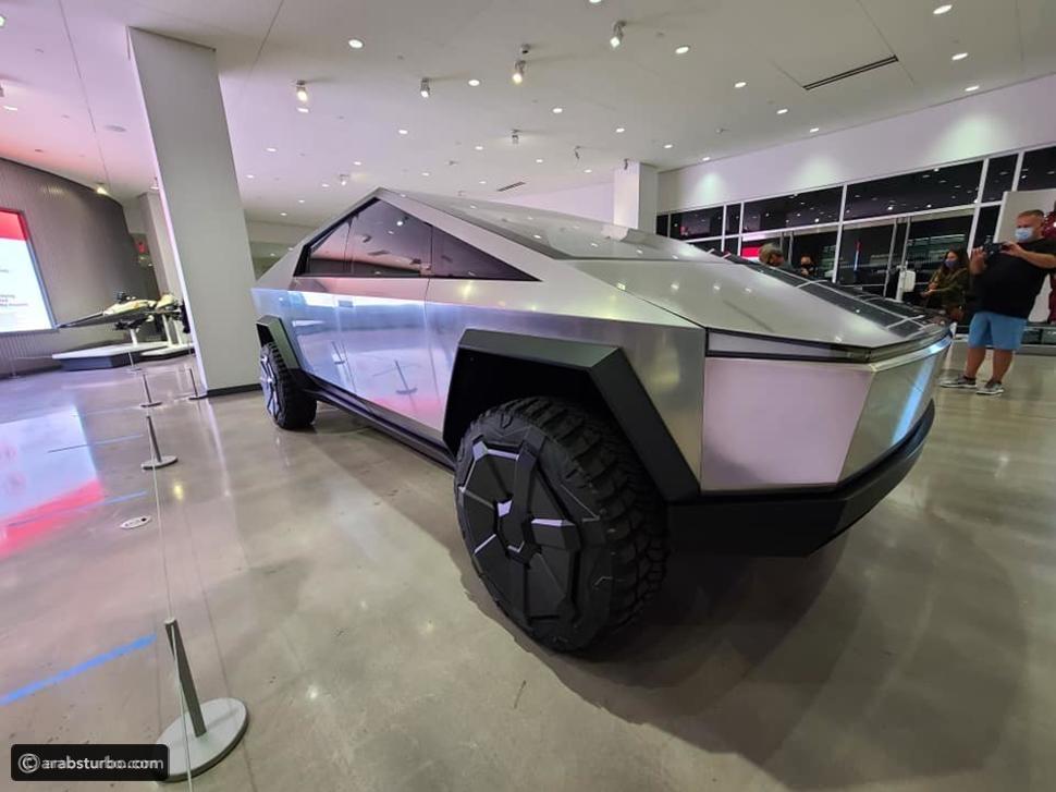 تيسلا قد تطرح سايبر تراك في 2021 مع نسخة مصغرة منها