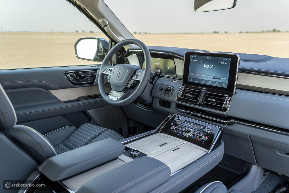 سيارة لينكون نافيجيتور تتخطى التوقعات ببراعة أسلوبها وتصميمها وقوتها