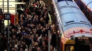 بعدما نساه في القطار.. موسيقي يستعيد كمان بقيمة 320 ألف دولار