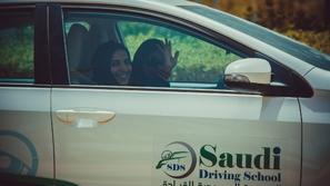 5 نصائح من المدرسة السعودية للقيادة لأمانك وسلامتك