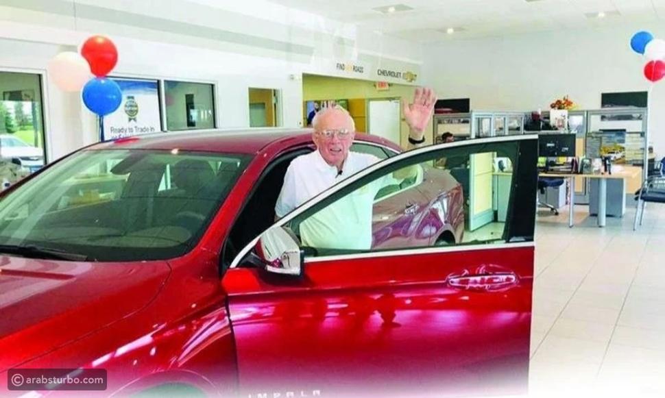 رجل بعمر 93 عاماً يشتري أخر نسخة إمبالا في التاريخ
