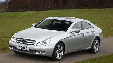 استفتاء: أي موديل من موديلات سيارة مرسيدس CLS الرائعة تحب أكثر؟