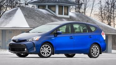 استفتاء: أي موديل من سيارة تويوتا بريوس تفضل أكثر؟