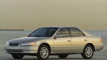 استفتاء: أي موديل من سيارة تويوتا كامري المحبوبة تحب أكثر؟