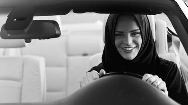 استفتاء: ما رأيك بقرار السماح للمرأة السعودية بقيادة السيارة؟