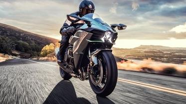 دراجات نارية 2021: اختر الأفضل بين الأسرع