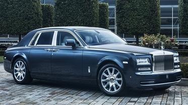 استفتاء: أي من هاتين السيارتين تحب أكثر؟ رولز رويس فانتوم أم مايباخ 62