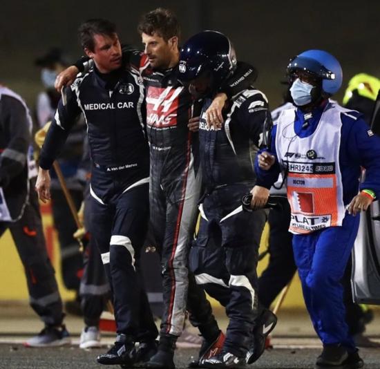 حادث مروع في سباق البحرين يلقي بظلاله على فوز هاميلتون