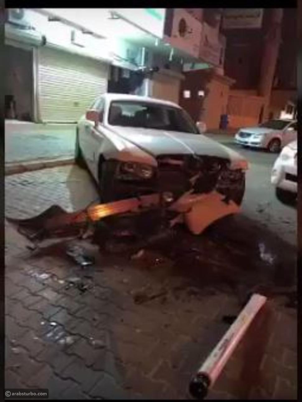 السيارة بعد الحادث