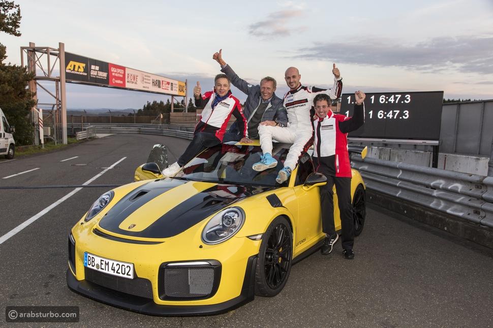 بورش 911 جي تي2 آر إس أسرع سيارة رياضية على حلبة نوربورغرينغ