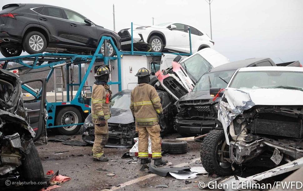 اصطدام أكثر من 100 سيارة في حادث مروع بأمريكا