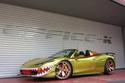 Office-K تحول سيارة فيراري 458 سبايدر إلى سمكة قرش ذهبية 1