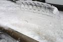 2- سيارات متجمدة تترك لوحات فنية بعد انتهاء العاصفة الثلجية