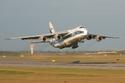 5- أنتونوف An-124 والبالغ طولها 69 متراً وعرض جناحيها 73 متراً.