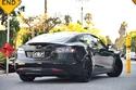 2- صور: شاهد سيارة ليونيل ريتشي التيسلا موديل اس بتعديلاتها المميزة