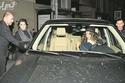 صور: بيرين سات تتألق بسيارتها لاند روفر