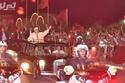 صورة لملك المغرب تُشعل مواقع التواصل وهو على متن سيارته .. أنتج منها 500 نسخة فقط