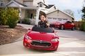 فيديو وصور نسخة مصغرة من سيارة تيسلا موديل اس مخصصة للأطفال