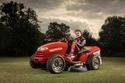 فيديو وصور: هوندا تدخل موسوعة غينيس بأسرع جزازة عشب في العالم